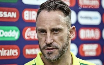Faf du Plessis Defends Decision to Play as Extra Seamer