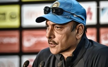 Ravi Shastri Says that He Hasn't Met Dhoni After World Cup