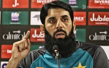 Misbah Baffled at Pakistan's Performance Against Sri Lanka