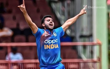 Deepak Chahar Reveals that Rohit Used Him Like Bumrah