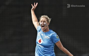 Devine Named as Permanent Captain of NZ Women Team
