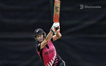 Sophie Devine Signs Up with Perth Scorchers