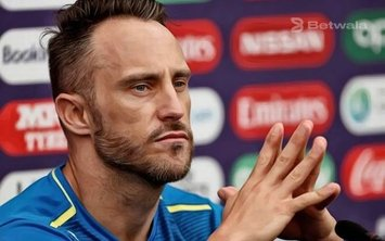 Faf du Plessis Gives Advice to Proteas Batsmen