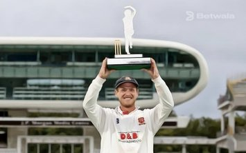 Essex Bags Home Bob Willis Victory