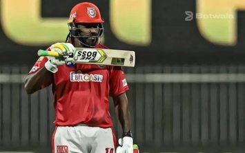 Chris Gayle Signs with Quetta Gladiators