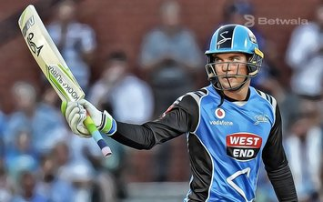 Alex Carey Extends Contract with Adelaide Strikers