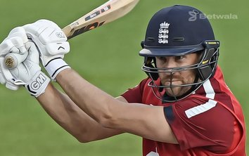 Dawid Malan Signs with Hobart Hurricanes