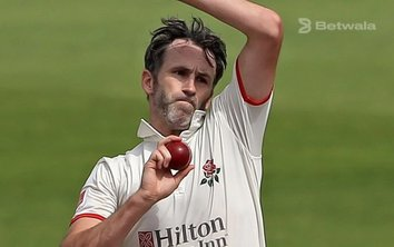 Graham Onions to Work as New Lancashire Bowling Coach