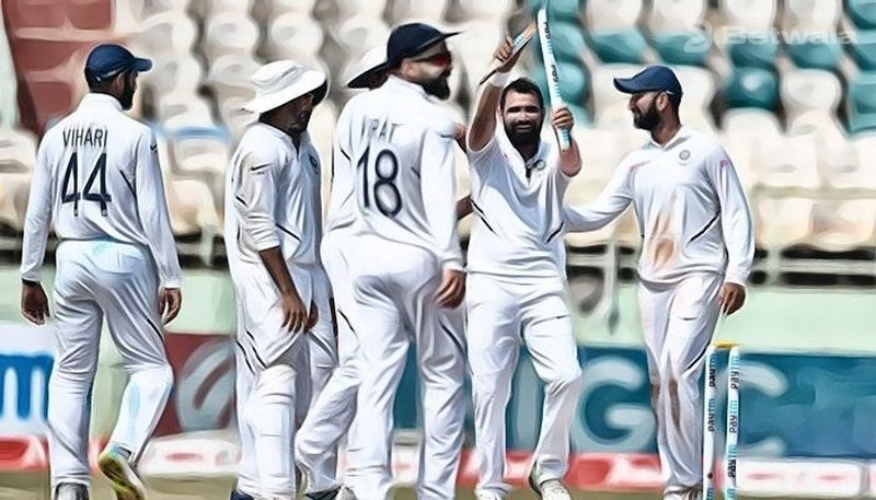 Jadeja and Shami Helps Men in Blue Win First Test